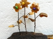 Drei Holzblumen